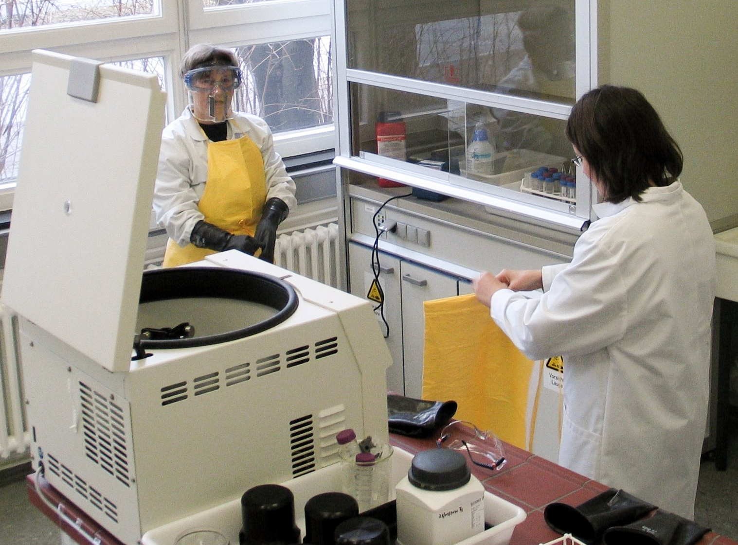Preparation for the chemical treatment of pollen samples | Photo: Topoi