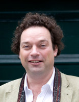 Dr. Stefan Weber