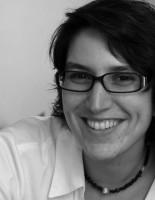 Dr. Stefanie Samida