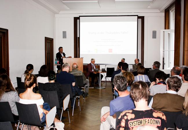 Podiumsgespräch mit Vertretern der Alten Geschichte zu den Antike-bezügen der gegenwärtigen politischen Diskussion | Foto: Hauke Ziemssen