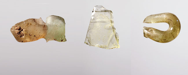 Pieces of glass from Komariv, Ukraine (Photos: J. Meyer, Institut für Prähistorische Archäologie, FU Berlin)