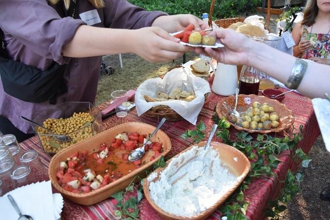 Speisen nach römischen Rezept werden probieren. | © Götting.