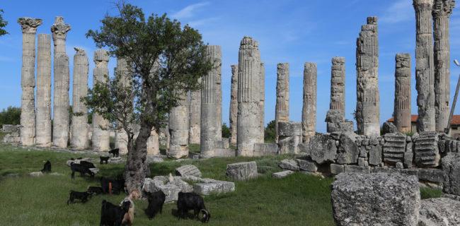 The Zeus temple of Olba/Diokaisareia, later transformed into a church | © Philipp Pilhofer