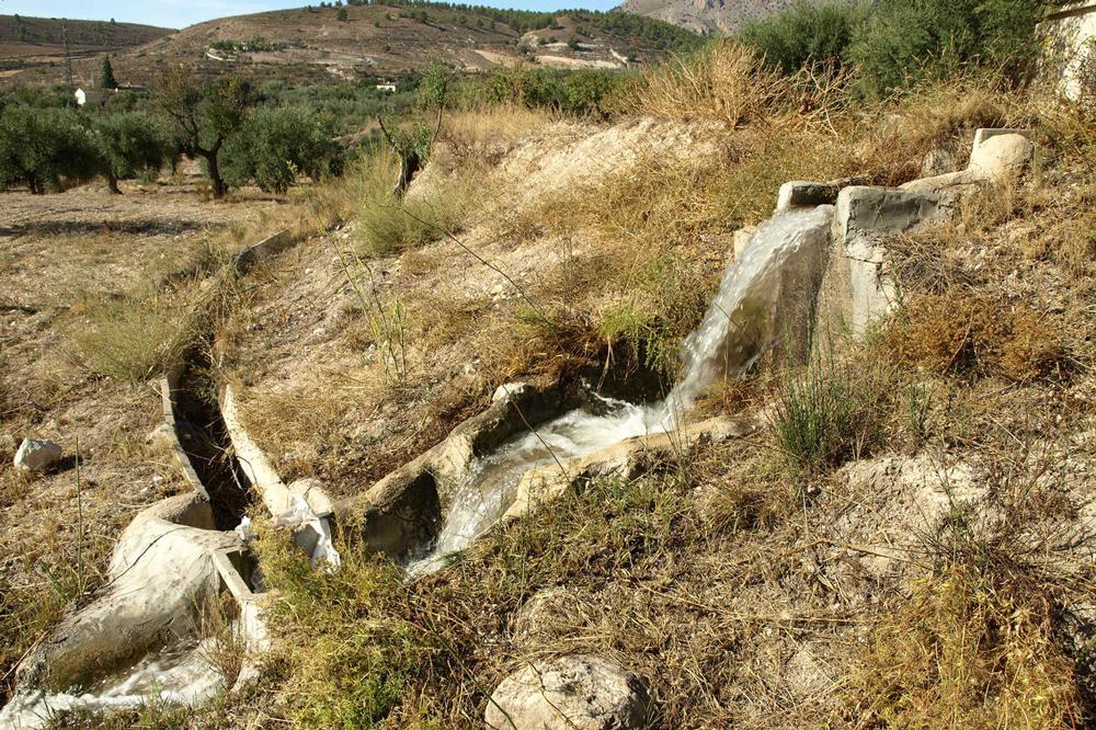 Eine typische Wasserrinne des Wasssermanagement-Systems in Vélez Blanco. Bildquelle: Jonas Berking